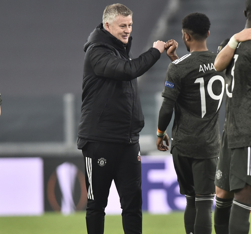'Big. Big Shame' 'Are U Serious?' 'Hope He Recovers Well' Fans React As United Ace Is Ruled Out For Six Weeks